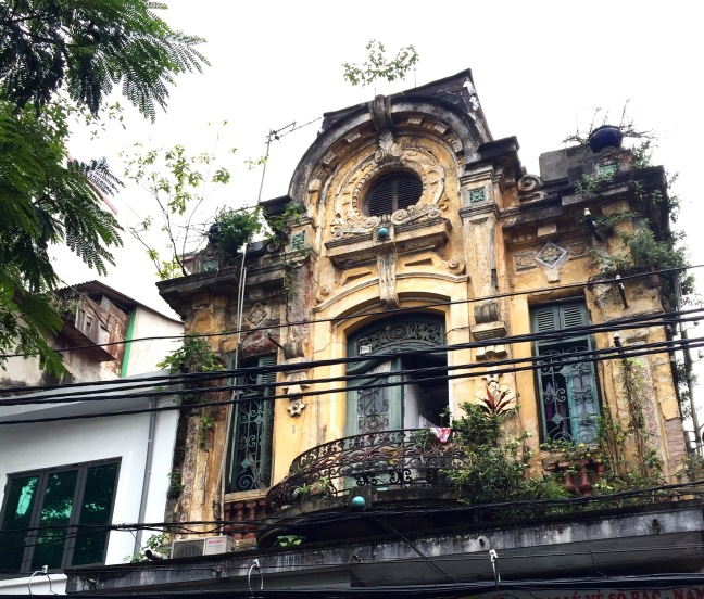 An example of the beautiful old colonial architechture that still sits intersperced amidst all the tight housing.